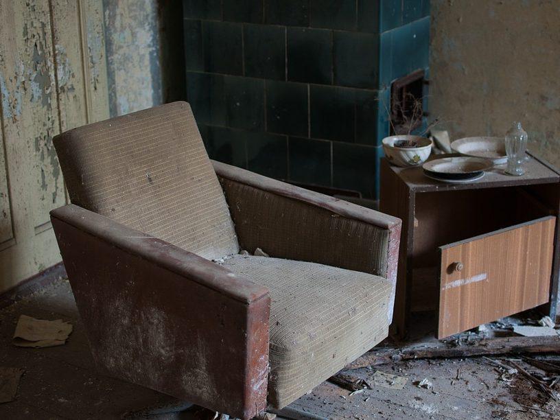 Почему появляется много пыли от домашней мебели