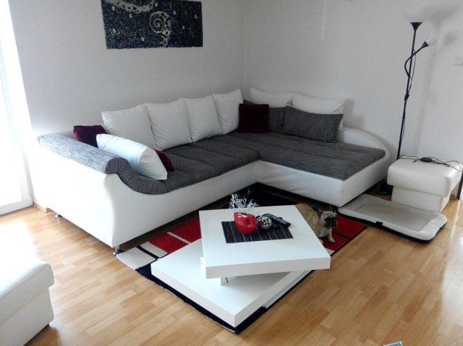 Химчистка углового дивана в Москве